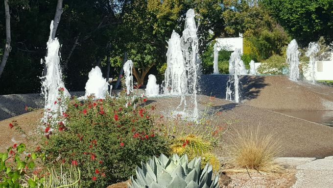 20161109 Scottsdale Water Feature Volcano 2